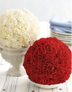 I've never seen carnations looking so good. soak a foam flower ball in water, insert about 50 cut carnations, and presto! Carnation Centerpieces, Wedding Centerpieces, Centrepieces, Simple Centerpieces, Candle Centerpieces, Centrepiece Ideas, Graduation Centerpiece, Quinceanera Centerpieces, Vase Ideas