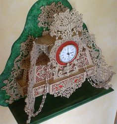 French flowers clock, scroll saw fretwork pattern