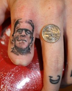 frank finger tattoo XD