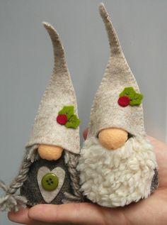 Family of Gnomes Whimsical Christmas, Handmade Christmas Decorations, Nordic Christmas, Felt Christmas Ornaments, Handmade Christmas Gifts, Christmas Makes, Christmas Gnome, Christmas Projects, Holiday Crafts