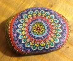 Mandala color art design on a stone Pebble Painting, Dot Painting, Pebble Art, Stone Painting, Hand Painted Rocks, Painted Stones, Decorated Stones, Painted Pebbles, Rock Crafts