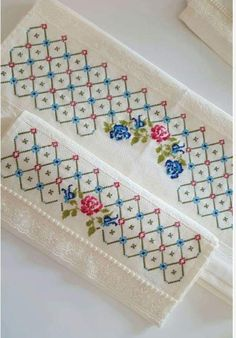 Cross Stitch Borders, Cross Stitch Flowers, Cross Stitch Designs, Cross Stitching, Cross Stitch Patterns, Hand Embroidery Flowers, Hand Embroidery Patterns, Embroidery Designs, Hardanger Embroidery
