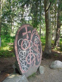 Rune Stone Viking Art, Viking Warrior, Viking Runes, Heroic Age, Rune Stones, Asatru, Norse Vikings, Celtic Art, Sculpture