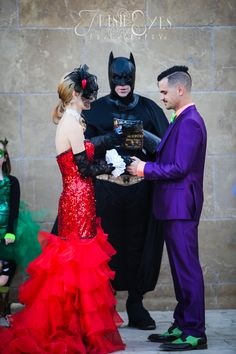 Naturally, Batman officiated this comic book themed wedding << Oh wow!