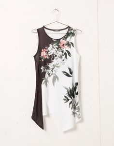 Bershka floral print top with side opening - T- Shirts - Bershka United Kingdom