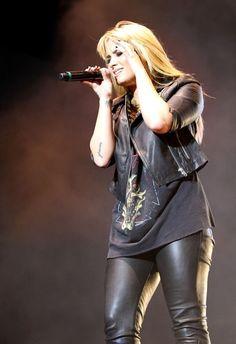 Demi Lovato Photo - Demi Lovato rocks Brazil