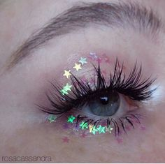 Starry Eyed Aesthetic Makeup, Aesthetic Beauty, Aesthetic Photo, Pink Aesthetic, Baume, Eye Art, Glitter Brows, Glittery Nails, Brown Eyes Aesthetic