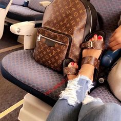 2018 New Louis Vuitton Handbags Collection for Women Fashion Bags Must have it Vuitton Bag, Louis Vuitton Handbags, Purses And Handbags, Louis Vuitton Monogram, Tote Handbags, Handbags Online, Cute Sandals, Cute Shoes, Me Too Shoes