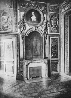 Inside the Hôtel de Lauzun in 1898, on the quai d'Anjou, Île Saint-Louis, Paris. #Rococo