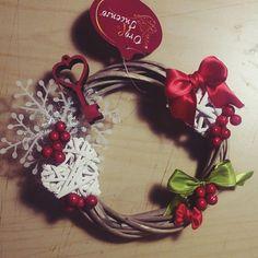 Vendo fuoriporta natalizio fatto a mano #handmade #christmas #fuoriporta #legno #white #red #fattoamano #faidate #addobbinatalizi