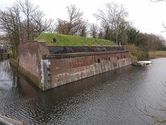 Gedeelte van Fort Lunetten Utrecht, Garden Bridge, Holland, Van, Outdoor Structures, Pictures, The Nederlands, Vans, The Netherlands