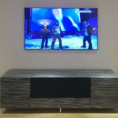 Image from http://st.hzcdn.com/fimgs/3d814221037f5c84_5687-w251-h251-b0-p0--contemporary-tv-stands-and-units.jpg.