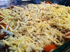 - Silje Bjørnstad - – Gratinert karbonadedeig-og-potetmos-form Recipe Boards, Food And Drink, Eat, Cooking, Ethnic Recipes, Food Ideas, Merry, Kitchen, Kochen