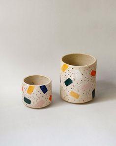 DIY - ma housse de machine à coudre Silvercrest Lidl - Pattern 007 - Ceramic Cups, Ceramic Pottery, Ceramic Art, Ceramic Plant Pots, Lidl, Keramik Design, Industrial Design Furniture, Ceramic Painting, Pottery Painting Ideas