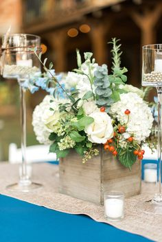 A Rustic Elegant Navy and White Wedding | Rustic White Photography | theeverylastdetail.com