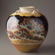 Pot made by Ninsei Nonomura.(17th century , JAPAN)  野々村仁清 : National living treasure