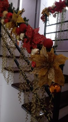 Christmas Staircase, Christmas Garlands, Stair Banister, Banisters, Seasonal Decor, Holiday Decor, Mesh Wreaths, Xmas Decorations, All Things Christmas