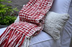 Super chic Pied de Poule Throw - Red Pattern - 100% Organic Cotton - Handwoven