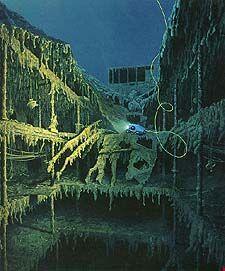 Real Pictures of Titanic Underwater | TITANIC Underwater grandstair case