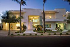 Fachadas de casas com cores claras - off white - super tendência!