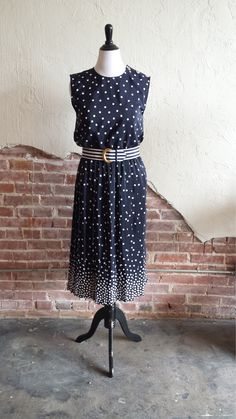 Upcycled Polka Dot Dress. Step by step tutorial! #fashion #vintage #diy #dress #upcycle #repurpose #refashion
