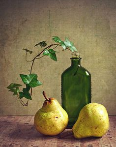 Pear Still Life | Thank you everyone for your visits, faves,… | Flickr