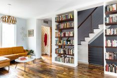 Greenwood Ave Rowhouse: A House for A Writer and Musician