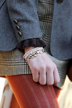 Skirt and tight-- preppy Preppy Style, Style Me, Autumn Inspiration, Style Inspiration, Librarian Chic, Vogue, Autumn Winter Fashion, Autumn Fall, Fall Fashion
