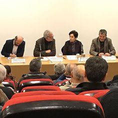 İMO Ankara Şubesi'nde söyleşimiz başladı... Gazeteci Yazar Erdem Gül, Doç. Dr. Gökhan Günaydın, Prof. Dr. Filiz Zabcı'nın katılımı ve Başkanlarımızdan Taner Yüzgeç'in moderatörlüğünde Rusya Büyükelçisi'ne düzenlenen suikastten, başkanlık sistemine, tutuklamalar ve ekonomik krizden, Suriye'de yaşananlara kadar gündeme ilişkin konuların tartışılacağı panele tüm üyelerimiz davetlidir.  21 Aralık 2016 Saat: 19.30 Yer: İMO KKM, Necatibey cd. No: 57 Kızılay Ankara