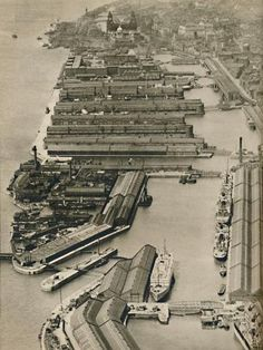 size: Photographic Print: 'Vessels sail from Liverpool to ports all over the world, from the River Mersey', 1936 : Liverpool Waterfront, Liverpool Docks, Liverpool History, Liverpool Home, Old Pictures, Old Photos, All Over The World, Around The Worlds, Grey Wallpaper Iphone