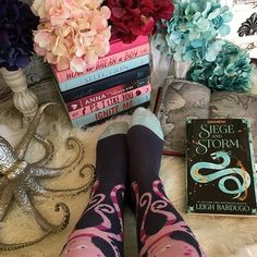 I stayed up until 3 am reading so I slept super late this morning! Are  you an early riser or a snoozer like me?  Day 14: #lilthisorthat {pirates or captains} pirates! Especially pirate captains!  Day 14: #ampersand2018 {socks}  Day 14: #bookishfaves17 {side character} Nikolai  #grishaverse #grishatrilogy #leighbardugo #henryholt #socksunday #grisha #ruinandrising #seigeandstorm #shadowandbone #booklover #bookaddiction #bookandsocks #bookpics #bookishfeatures #booknerdigans #booknerd…