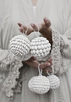 © Hannah Lemholt Photography | love warriors | shell tree balls