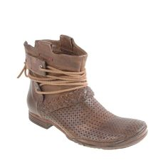 http://www.ohiocouponcodes.com/2012/08/03/october-2012-pitfall-leather-womans-shoes/
