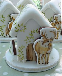 """2011 Gingerbread Houses by Natasha Collins (of """"Amelie's House"""" blog)"""