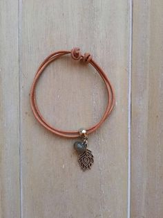 Dainty brown leather bracelet with labradorite bead and