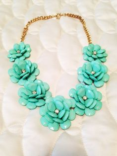 Love this necklace. So cute!!