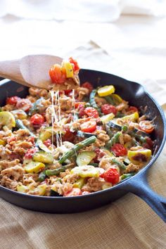 This hearty and healthy turkey and vegetable skillet comes together in minutes! Perfect for busy weeknights!  (minus the cheese for paleo)