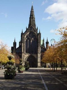 Cathedral Square - Glasgow Cathedral