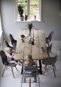 [ Inspiration déco ] Das neutrale Dekor und die Natur The neutral decor and the nature Dining Room Design, Dining Room Table, Dining Area, Dining Rooms, Wooden Dining Tables, Industrial Dining Tables, Wooden Table Diy, Rustic Table, Diy Interior