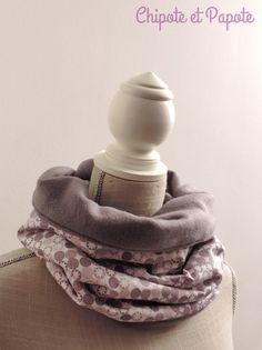 Pour avoir bien chaud, voici le tuto de mes snoods en coton et polaire. Réalisation simple et rapide.