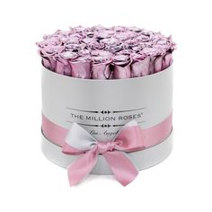 medium round box - silver - rose gold ETERNITY roses rose gold - the million roses Flower Boxes, My Flower, Pink Love, Pink And Gold, Purple, Million Roses, Preserved Roses, White Box, Rose Gold Color