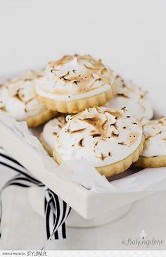 Lemon Meringue Pie Shortbread Cookies na Stylowi.pl