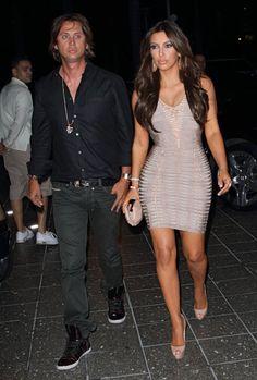 Pin for Later: Ces 15 Personnes là N'ont Pas Pu S'empêcher de Reluquer Kim Kardashian Ce gentleman à la chemise blanche