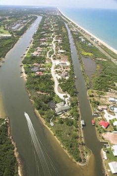 Are you dreaming about living the Florida Lifestyle? Then dream of Palm Coast! Here you will find a warm and sunny place with gorgeous ocean views, fantastic world class golf on courses. Contact me and let's get started! Visit http://www.real-living-florida.com/?googadw=molinda for more information