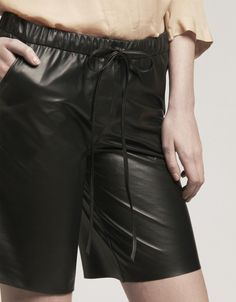 ## 1.02 leather short  leather skirt #2dayslook #new leather skirt #leatherstyle  www.2dayslook.com