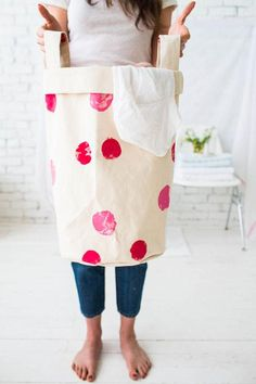 Laundry just got a lot cuter with this DIY Laundry Bag!
