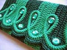 Katia Ribeiro Crochê Moda e Decoração Handmade : Carteira em crochê com receita e gráfico por Izabel Bonatti