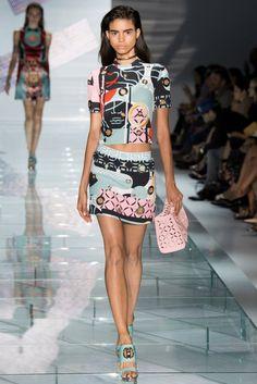 versace 2015 spring summer runway29 Versace Spring 2015: Sporty Glam