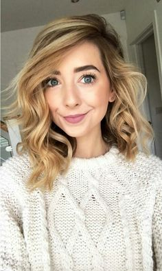 Look at Zoë! She's so gorgeous and stunning! Ombre Highlights, Lauren Conrad, Hair Inspo, Hair Inspiration, Styles Bob, Pixie, Zoe Sugg, Pretty Hairstyles, Zoella Hairstyles