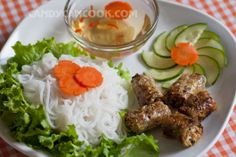 Nem (Spring Rolls) - Indispensable for Tet _ with Nem sauce: Both the reference recipes sweet and sour sauce, bun cha.